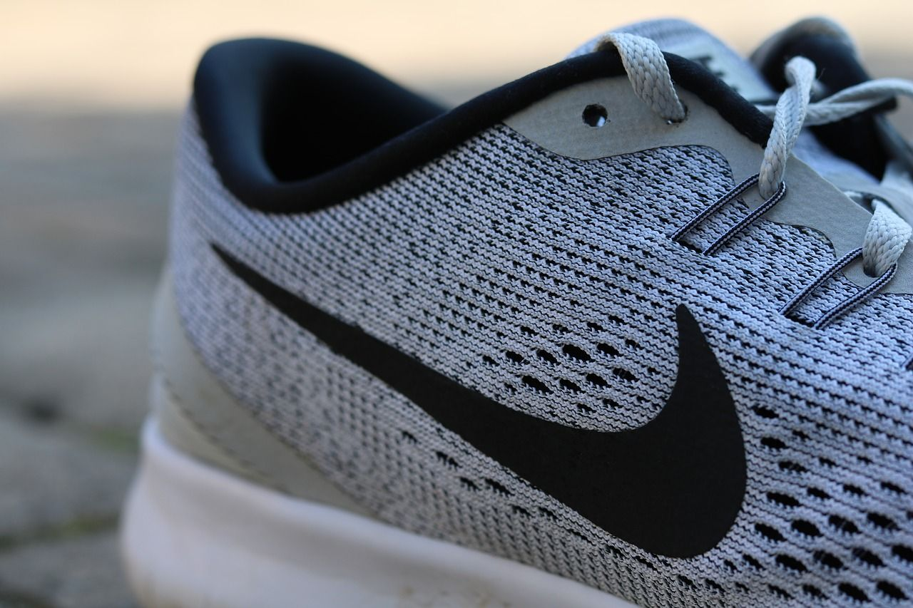 Sport-Shoes-Nike-Fashion-2607665.jpg
